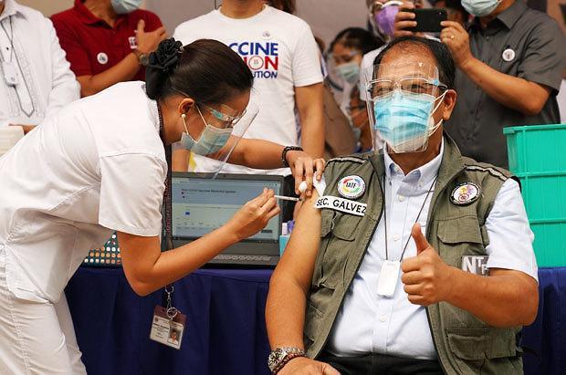 [NNA] 필리핀, 코로나 백신 접종 개시... 연내 5000만명 목표