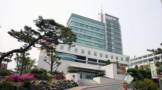 生源不足又遭疫情重创 韩国高校倒闭危机谁之过?