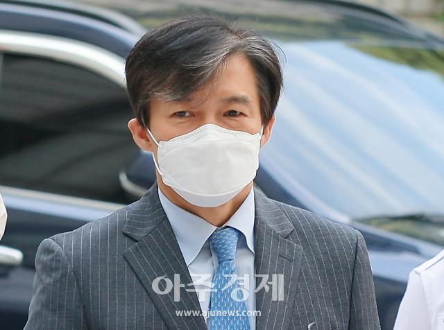 """조국, 중수청 반대 윤석열 겨냥 """"법치는 검치 아니다"""""""