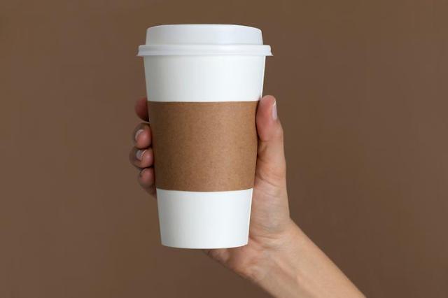 [규제 개선③] 카페 1회용컵 사용 불법?...코로나19에 빛난 규제 혁신