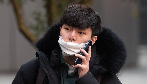 丢人!一韩国留学生在英国偷拍异性被公开个人信息