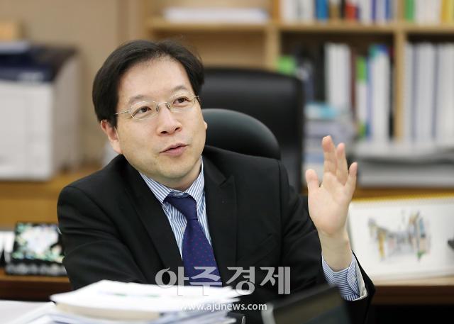 """각종 의혹 정면돌파 나선 김세용 SH 사장…""""의심 그만"""""""
