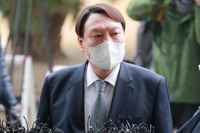 총장직 던진 윤석열, 대권 지지율 1위...이재명·이낙연도 제쳤다