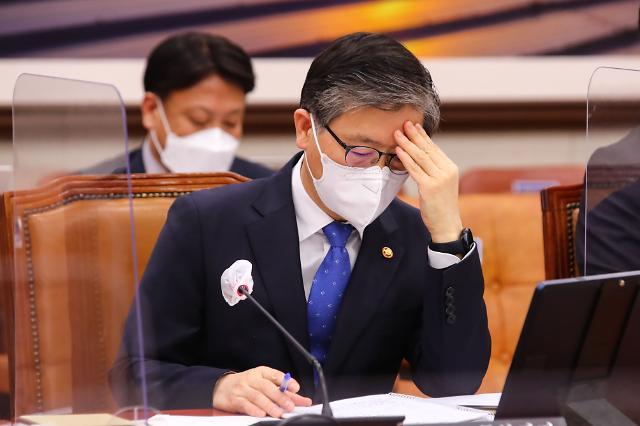 위기의 변창흠 뒤 아른거리는 '김수현 사단' 그림자