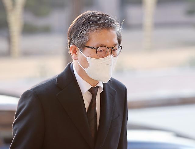 구원투수 등판 3개월차 변창흠 장관, LH 사태에 패전투수 기로