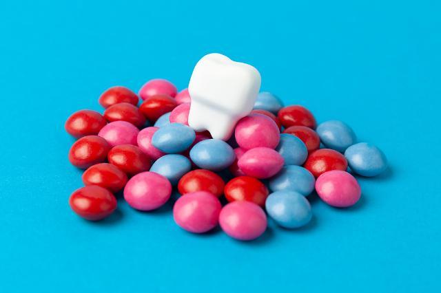 [치아질환 주의] 확찐자 탈출, 과하면 치아까지 빠질 수 있다?