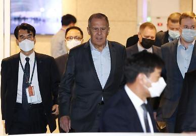 [흔들린 文 평화 구상] ②러시아 외무장관 訪韓…反美 전선 합류 여부 주목