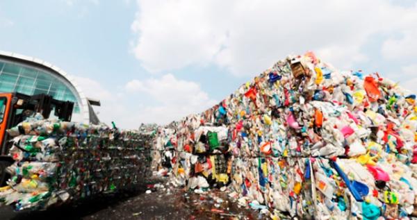 垃圾如山收益下降 疫情下韩回收企业压力山大