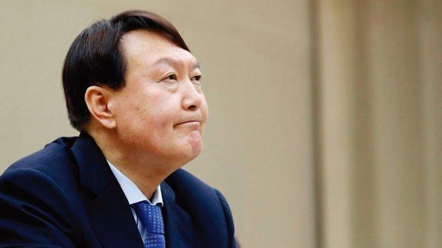 下届韩国总统热门人选民调:尹锡悦支持率破30%