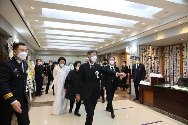 상주 신동원 부회장, 농심홀딩스 주총 참석…6개 안건 승인