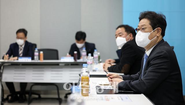 """황희 장관 """"다양한 한국영화 계속 만들어질 수 있도록 지원"""""""