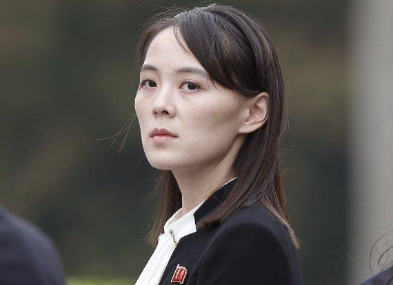 """북한 김여정, 문대통령 겨냥 """"미국산 앵무새"""""""