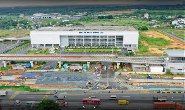 베트남 최대 버스터미널...개장 6개월째 텅텅 왜?