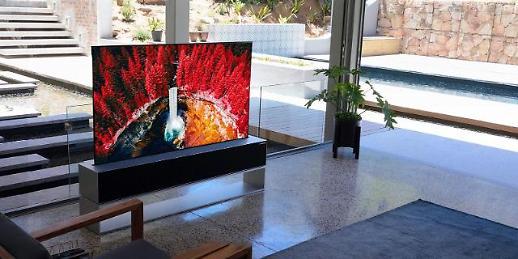 不差钱的看过来!LG全球首款卷曲智能电视海外发售