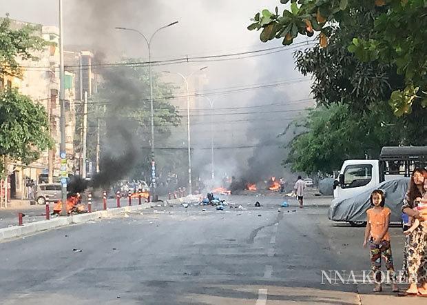 [NNA] 미얀마 민주파, 현행 헌법 폐지 선언... 군부와 대립 심화될 듯
