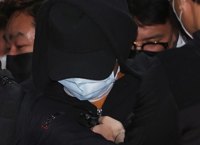 [속보] 노원구 세모녀 살인 20대 피의자 영장심사 출석…질문에 묵묵부답