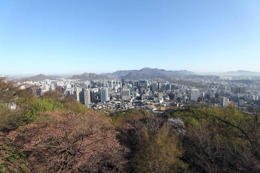 清明雨乍晴 登高望首尔