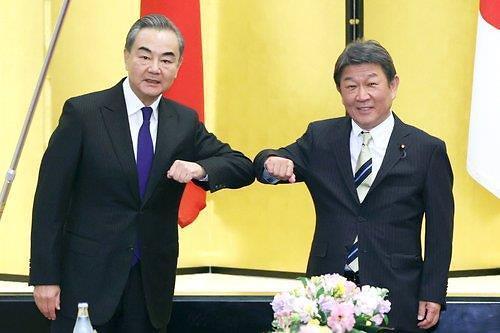 日모테기, 中왕이와도 北비핵화 논의...정의용과는?