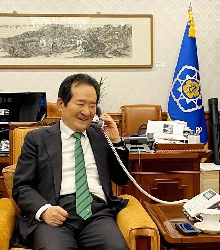 """정세균 총리, 이란 억류 한국 선박 선장에 """"기다려줘 고맙다"""""""