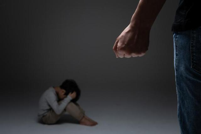 인천 2개월 여아 심정지···아동학대 의심 친부 체포, 친모는 사기 혐의로 구속 상태
