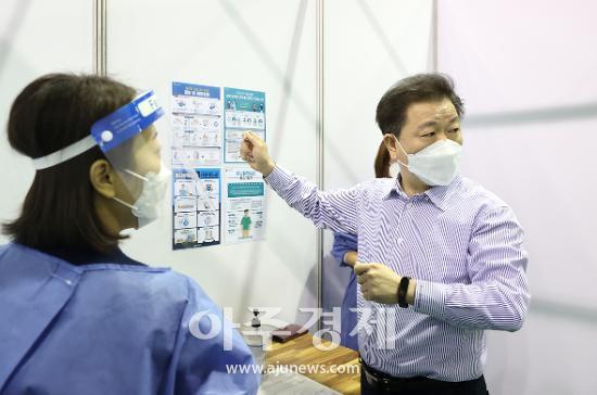 박승원 시장 AZ 백신 직접 접종 나서···가정폭력 피해자 보호시설 연내 설치