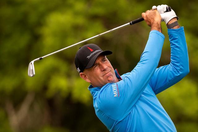 48세 싱크 대 24세 모리카와, PGA 우승 두고 격돌