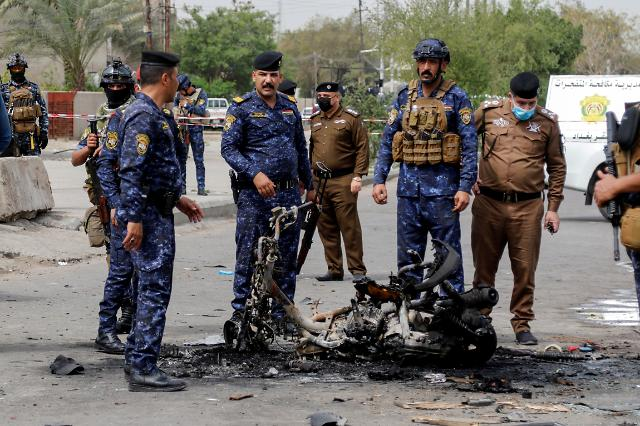 이란 배후에 있나?...이라크 발라드 미군기지, 로켓포 공격에 5명 부상