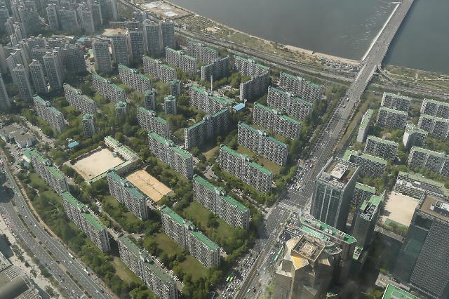 관망세 짙어진 서울 부동산 시장…3월 거래량 1년 만에 32%↓
