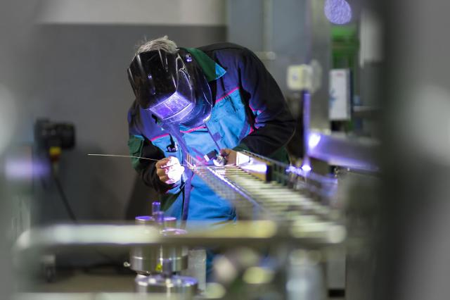 报告:韩去年7.2万个制造业岗位流向海外