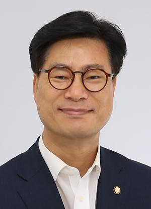 """""""구글·페북도 뉴스 사용료 내라""""... 김영식 의원, '한국판 구글법' 발의"""
