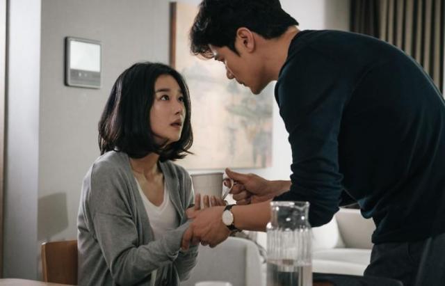 서예지 김강우 영화 내일의 기억 평점 좋네! 논란만 없었어도...