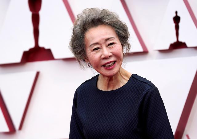 尹汝贞获得第93届奥斯卡最佳女配角奖 书写韩国电影新历史