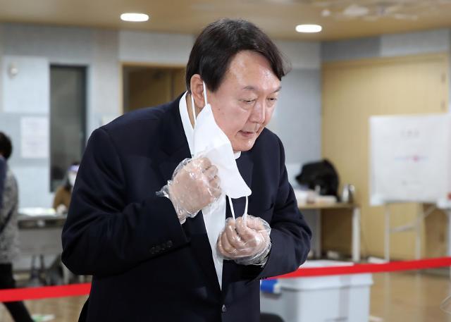 """""""전두환에 사형 구형해 도피""""…윤석열, 호남 1위 배경?"""