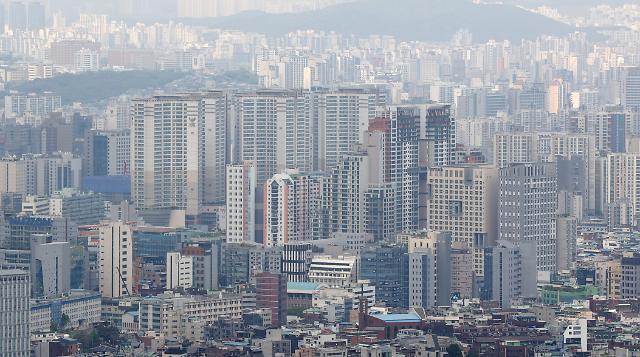 서울 중소형 아파트값 평균 10억 육박…2년 새 42% 급등