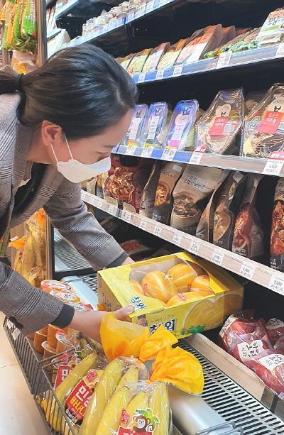 신선식품 키우는 편의점···이마트24, 3년새 과일·채소 40~60% 성장