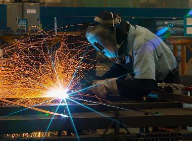 원자재 가격 급등 부담... 중국 4월 제조업 경기 주춤