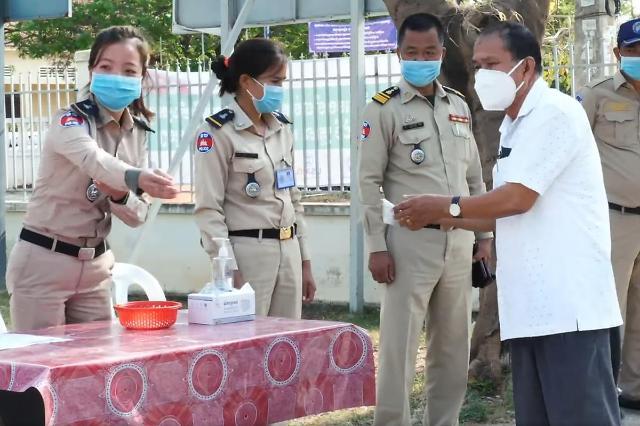 [NNA] 캄보디아 신규 감염자 698명, 1일 기준 최다