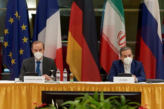 """이란 """"금융·원유 등 제재 절반 이상 해제 합의""""...이달 말 핵합의 복원하나"""