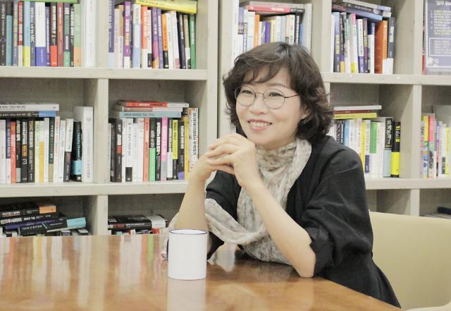 """""""让图书成为温暖韩中两国读者心灵的暖炉""""——专访韩国连亚国际文化传播公司总经理郑燕慧"""