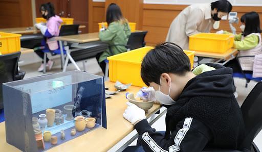 调查:新冠疫情后韩国儿童自杀倾向上升