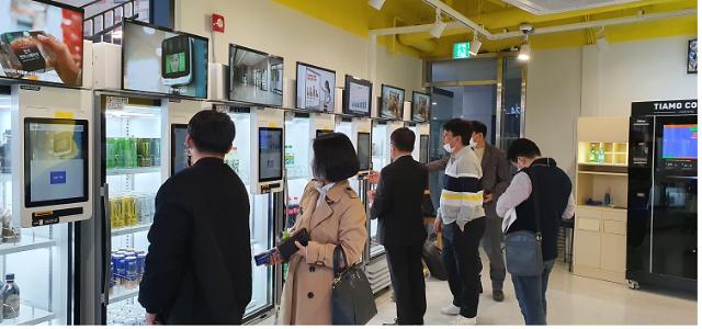 판교밸리에 첫 AI 운영 무인 편의점 등장