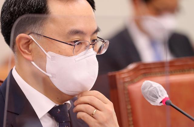 """문승욱 """"에너지 전환 정책을 계속 추진…재생에너지 목표 더 늘려야"""""""