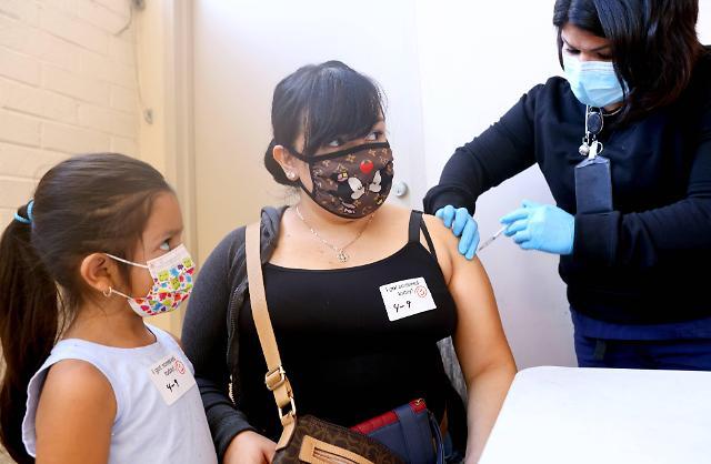 어린이·청소년들도 코로나 백신 맞는다...올 가을 전 연령 접종 확대 코 앞