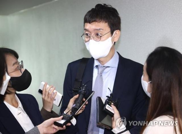 """김종인 찾은 김웅 """"도와 달라""""…金 """"자신만의 정치하라"""""""