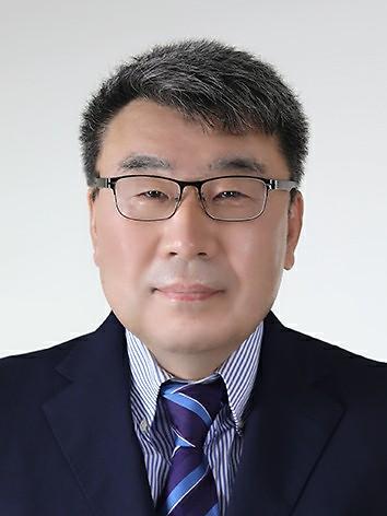 [김성수 칼럼] 대통령이 지명한 사람들은 그의 손으로 거두라