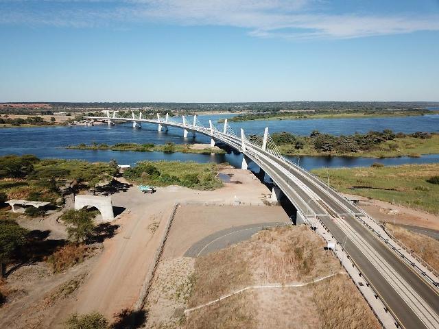 대우건설 시공 카중굴라 대교 개통…보츠와나-잠비아 연결