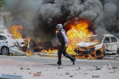 공중 폭격vs로켓포 이스라엘-하마스 충돌 격화…5세 여아 등 사망자 다수