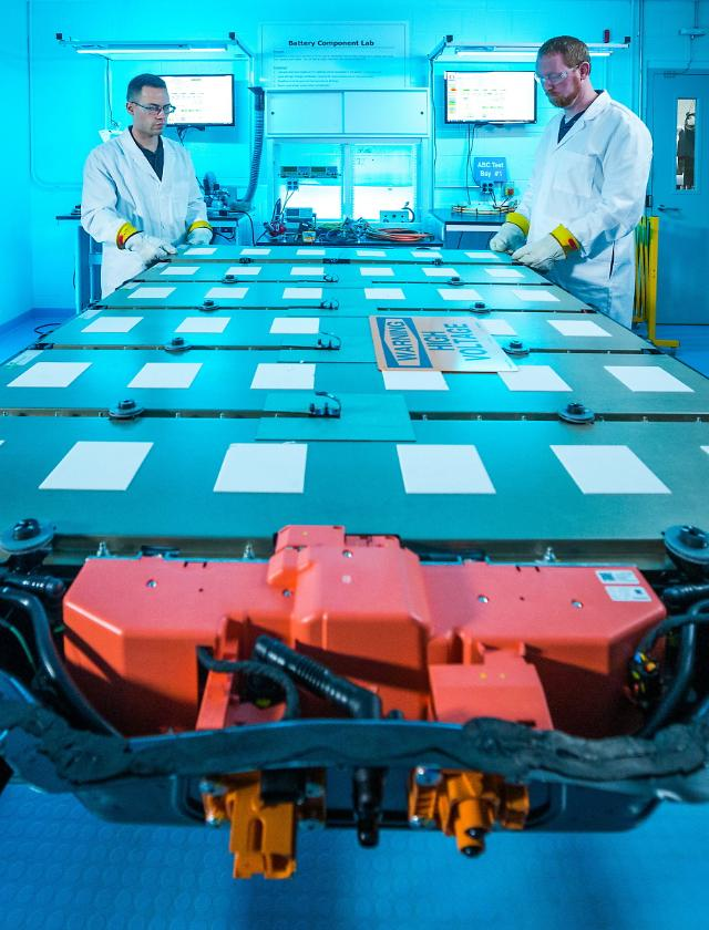 LG·GM 합작법인, 폐배터리 재활용 사업에 진출
