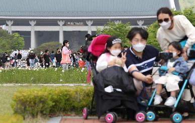 [코로나가 바꾼 대한민국] ⑩ 계속되는 가족 감염...가정의 달이 위험하다