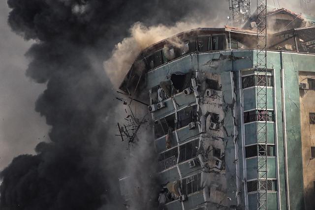 [포토] 이스라엘, AP등 입주한 외신 건물도 폭격